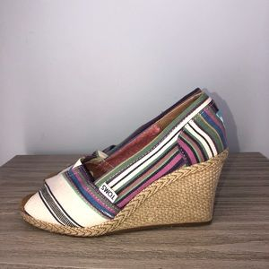 Toms striped wedges size 7